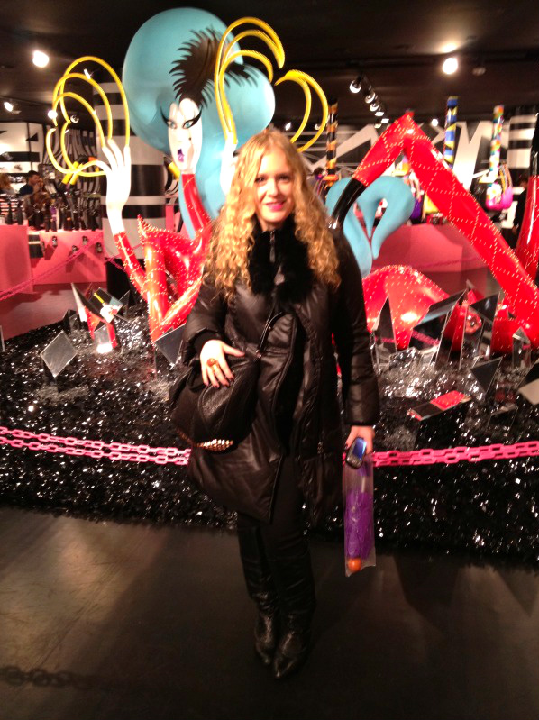 photo2 1 Lady Gagas Workshop at Barneys!!!