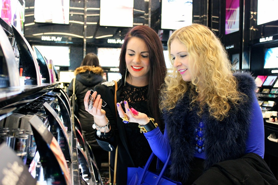 Julie and Nicola in Sephora1 The Fashion Minx and The Sequin Cinderella in NYC!!!