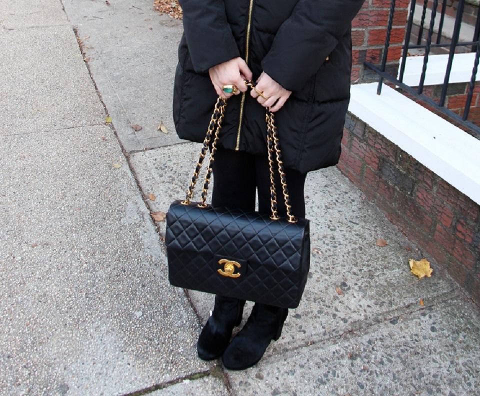 final resize bag shot Black and Gold